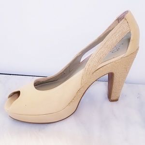 B MAKOWSKY Belle Heels Wedge Platform Cream 10